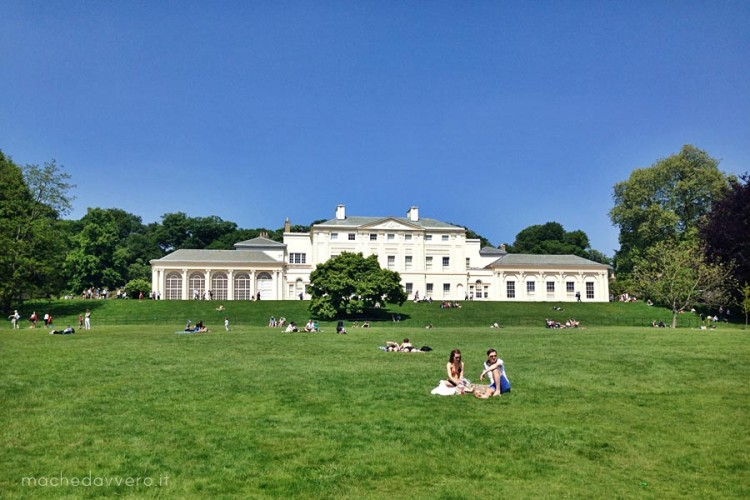 Kenwood House London picnic